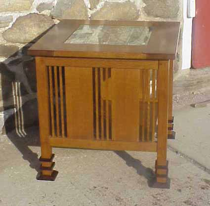 Prairie Style End Table With Tiffany Style Glass Insert.